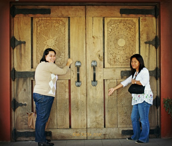 Karla and Beth knock, knock, knocking on Iggy's door