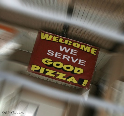 Zio's 'good pizza' sign