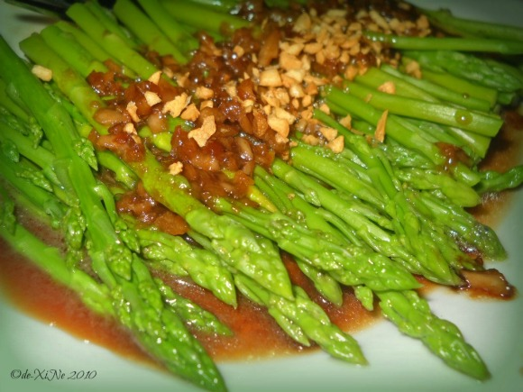 Dencio's Bar and Grill (Luneta Hill) asparagus in garlic