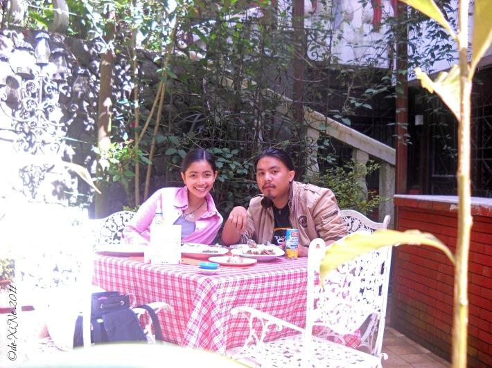 Al fresco dining at Villa La Maja