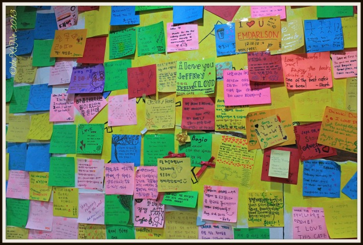 Under the Tree Book Cafe post-it messages