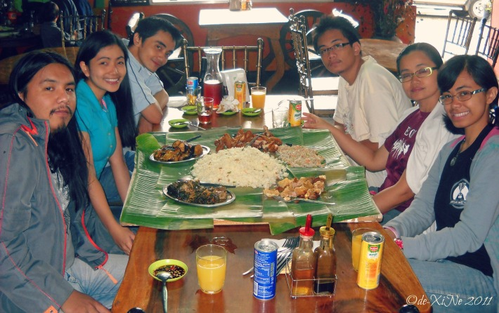 Foodie family ready to rumble with Kalapaw boodle fight