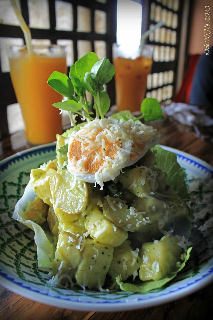 Oh My Gulay (OMG) waldorfesto salad