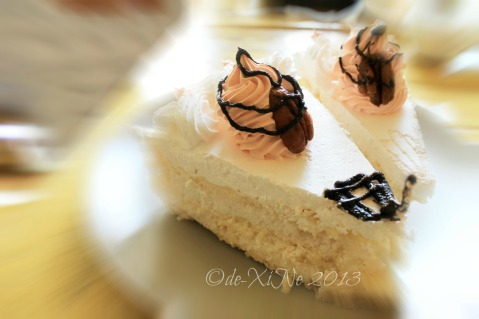 Kiwi's Bread and Pastry Shop Baguio pavlova
