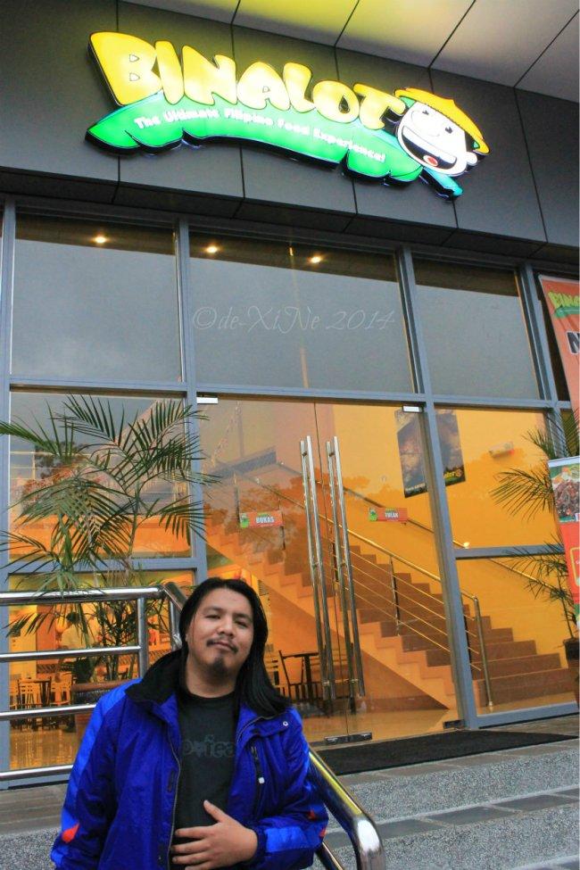 Binalot Baguio 2014 satisfied and full in front of Binalot resto
