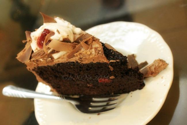 Calle Dulce Bakeshop La Trinidad cake