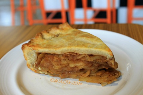 Ozark Diner Baguio apple pie 2014