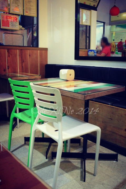 Gutom Baguio dining table