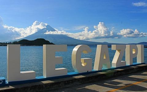 Legazpi Embarkadero 2014