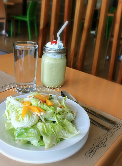 181 Restaurant and Bar at La Fern Hotel Baguio crab and mango salad and green tea smoothie 2014