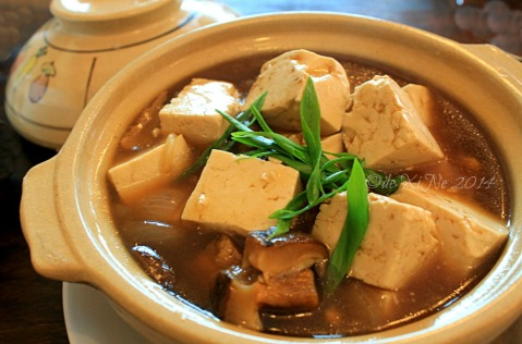 Mei Hwa Chinese Restaurant and Deli Baguio braised tofu and mushrooms in a pot
