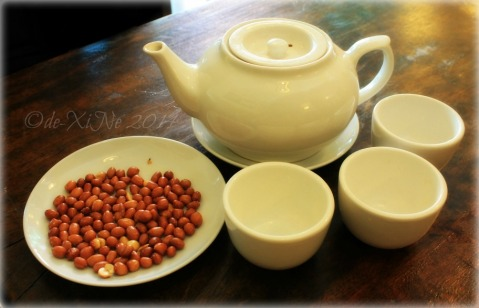 Mei Hwa Chinese Restaurant and Deli Baguio service tea and peanuts