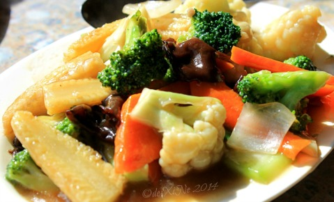 Baguio Mandarin Restaurant  2014 home of great Chinese cuisine mixed vegetables