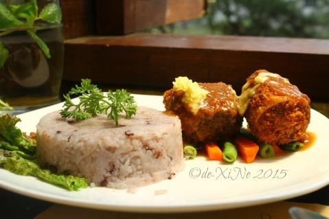 Baguio La Casa Bianca Hotel Spa Cafe 2015 crispy bangus ala chee bas