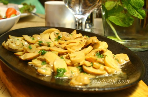 Baguio La Casa Bianca Hotel Spa Cafe 2015 sauteed mushrooms