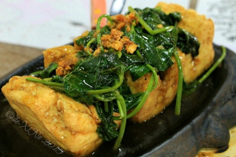 Baguio Calajo Foodhouse sizzling tofu with kangkong  2015