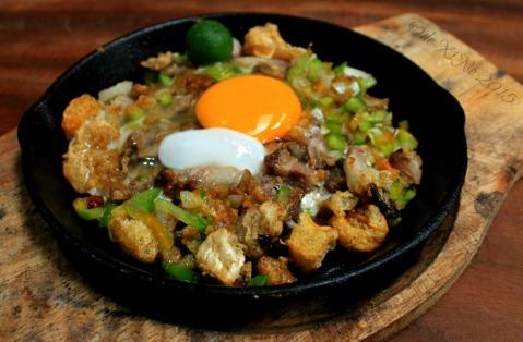 Baguio Ramanam eatery sizzling sisig 2015
