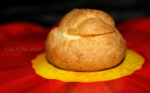 2013-12-15 Baguio Pot o' Gold cream puff (19)
