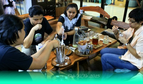 2015-11-10 Baguio Pandora's Box Tavern Cafe filling our glasses with diabeetus cookies and cream
