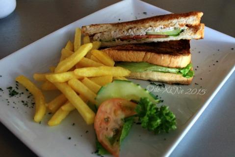 Baguio Moe's Outrageous Resto Deli chicken sandwich 2015