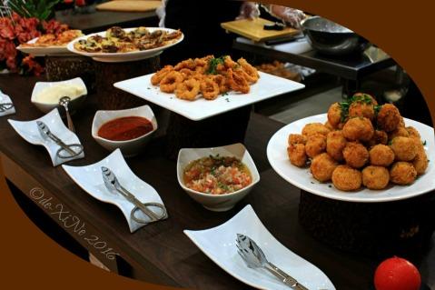 2016-01-28 Baguio Heritage Buffet Restaurant at Heritage Mansion appetizers bruschetta, croquettes, calamari