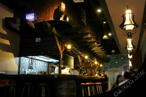 2016-03-21 Baguio Roadhouse Barn Restaurant grilling station behind the bar (12)a