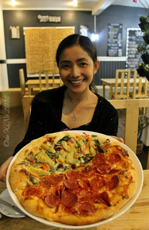 2016-04-29 Baguio Masa Mexitalian X with salame and artichoke pizza