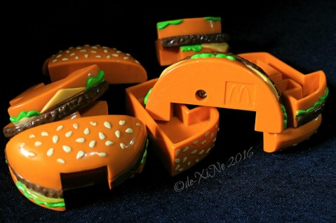 2016-08-24 Baguio McDonalds Happy Meal burger puzzle (1)