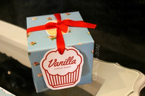 Baguio Vanilla Cupcake Bakery at Kamiseta Hotel take away box