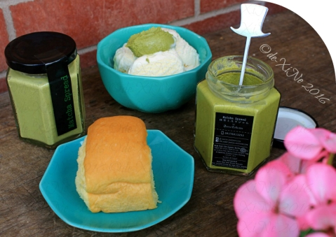 Trying Junia Collective matcha spread on bread and vanilla ice cream
