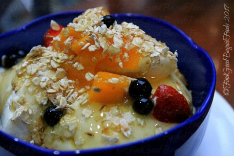 Baguio Yoghurt.com Cafe yogurt with fruits of the season muesli and honey 2017