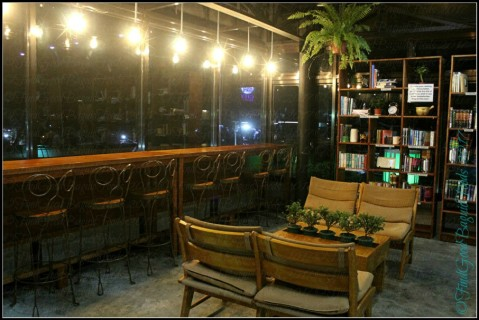 Baguio R & B Cafe and Library dining area 2017