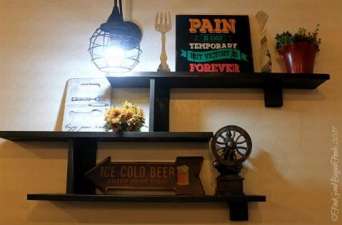 Baguio Fork n' Dagger Restaurant resto decor 2017